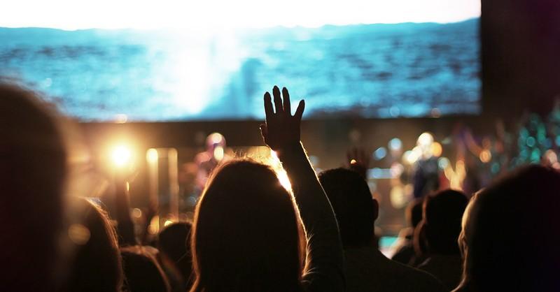 Worshiping God To Christian Songs